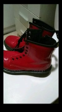 red-and-black leather work boots screenshot Los Angeles, 90059