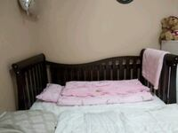 baby crib in perfect condition with mattress Brampton, L6X 2T6