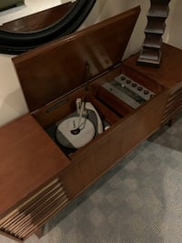 1960's Antique Turntable / radio TORONTO