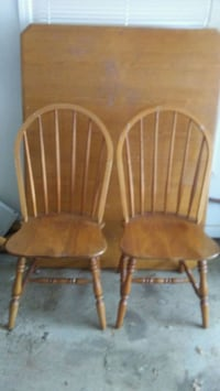 two brown wooden windsor chairs Anderson, 29625