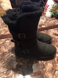 Used UGG Australia Becket Boot - Womens size 7 New York, 10461