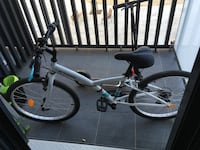 Btwin bicycle, scoter, helmet all 2 months old like new has invoices  Barcelona, 08014