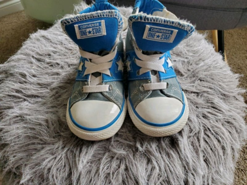 Kid converse size 9 1