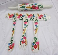 TOLEWARE KITCHEN DECOR ROLLING PIN WOODEN SPOONS RACK HAND PAINTED TOLE FLOWERS Mississauga, L4X 1S2