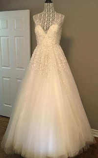 Kleinfeld's Bride's Dress NEVER WORN-BEST OFFER