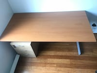 Rectangular brown wooden Desk Montréal, H3W 1W6