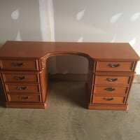 Brown wooden single pedestal desk Washington, 20018