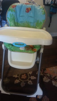 baby's white and green high chair New Carrollton, 20784