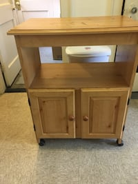 used small rolling kitchen island for sale in manchester letgo. Black Bedroom Furniture Sets. Home Design Ideas