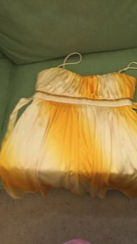 yellow small dress Alexandria, 22307