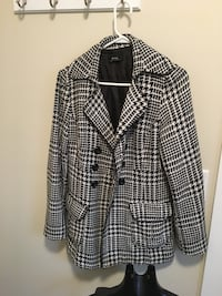 black and white plaid button-up long sleeve shirt