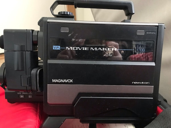 Used Magnavox VHS movie maker camcorder w/accessories