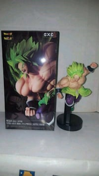 figura dragon ball super Broly atacando