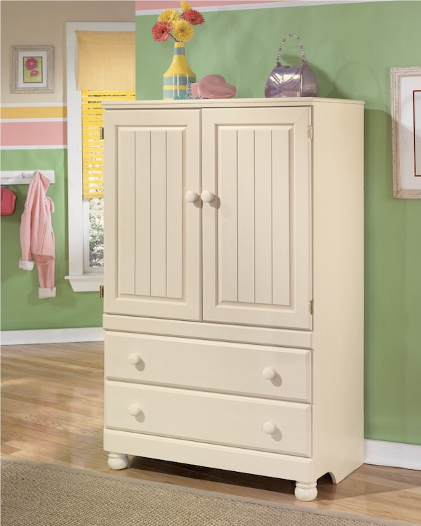 Ashley Furniture Sales Ad: Used Ashley Cottage Retreat Bedroom Armoire For Sale In