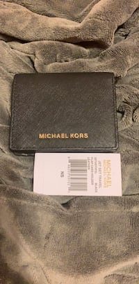 Authentic  MK wallet bought from Metrotown mall Surrey, V3R