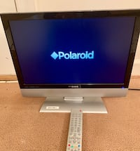 19 inch Polaroid Flat screen with remote and cables  Mc Lean, 22101