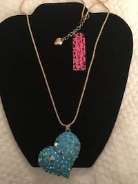necklace with heart pendant/new East Hartford, 06118