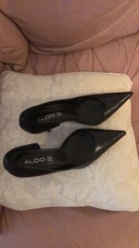 A pair of brand new leather high heel on sale  Vancouver, V5P 3R3