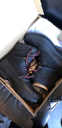 Brand New Sperry Boots (size 9.5)