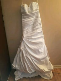 Wedding Dress with bow Edmonton, T5A 4L6
