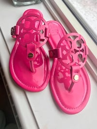 pink leather open toe sandals Fort Washington, 20744