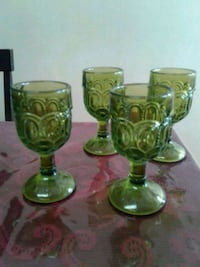 "4 Green star and moon wine glasses size are 4 1/2"" Montréal, H2E 2Y4"