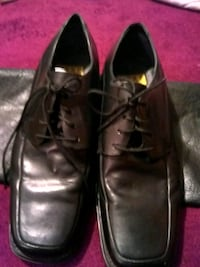 pair of black leather dress shoes Indianapolis, 46239