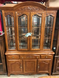 Oak china cabinet Pasadena, 77504
