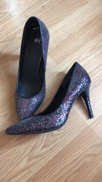 Sparkly Heels  Peterborough, K9H 4W1