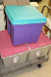 Three plastic storage containers with lids $5 each Columbus, 43215