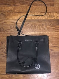Michael Kors Black Crossbody Tote Kearny, 07032