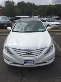 Hyundai - Sonata - 2012 uber Lyft ready Washington