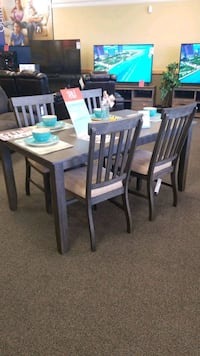 Table New Port Richey, 34654