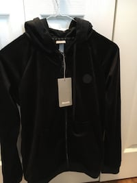 Bench Ladies Black Velour Hoodie. Brand New With Tags. Size XS.  Cochrane, T4C 1K6