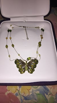 jade and gold-colored butterfly pendant with beaded necklace Roslyn, 11576
