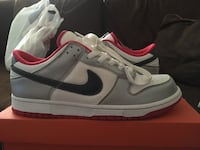 Nike dunks low (size 10) Los Angeles, 91325