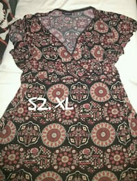 black, red, and white floral scoop neck shirt Las Vegas, 89121
