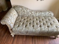 Beautiful chaise champagne for your living room. Buy it today! Suitland, 20746