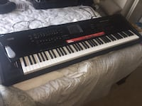 black and white electronic keyboard VANNUYS