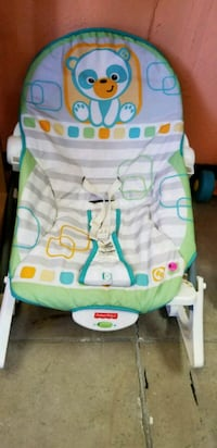 baby's white and green Fisher-Price bouncer Merced, 95340