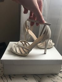 Ivory women heels brand new in the box Mississauga, L4W 4A1