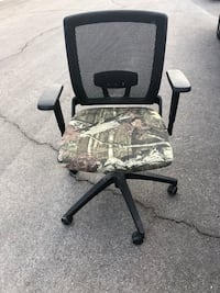 black and gray rolling armchair Las Vegas, 89147