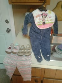 Carter's outfits size  9 months  Henderson, 42420