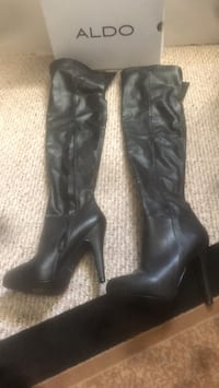 black leather knee high boots Kitchener, N2B 3K2