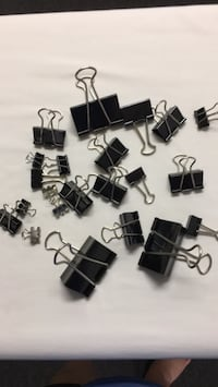$1.00 for a bag of assorted size clips Metairie, 70001