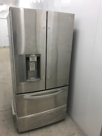 LG French Door Refrigerator (delivery included) Toronto, M1H 3K3
