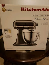 Brand New kitchen Aid Tilt-Head Stand Mixer Vaughan, L6A 4A3