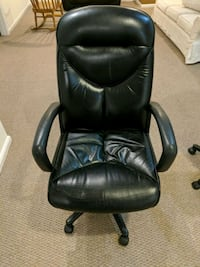 black leather office rolling armchair Gaithersburg, 20877