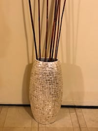 "21"" mosaic vase free bamboo sticks click on my profile picture on this page for more listings pick up in Gaithersburg md 20877 all sales final Gaithersburg, 20877"