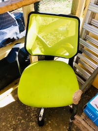 green and black rolling chair Bethesda, 20817